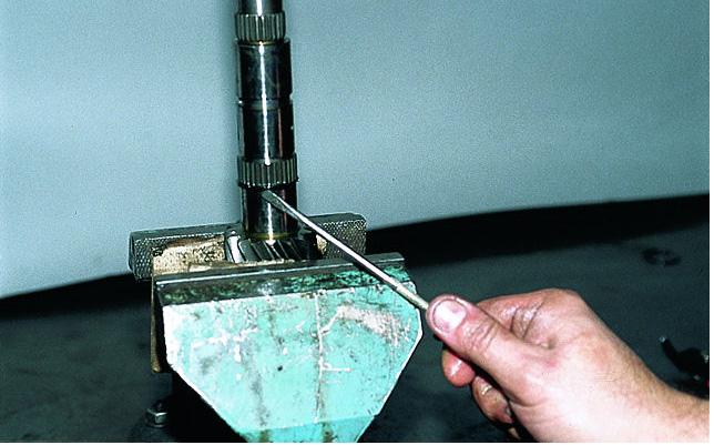 Ваз 2108 2109 21099 схема работа коробки передач принцип работы шестеренчатой коробки передач основан на изменении...