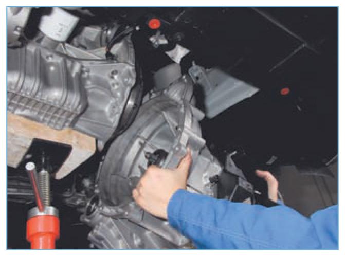 Как снять акпп форд фокус 2