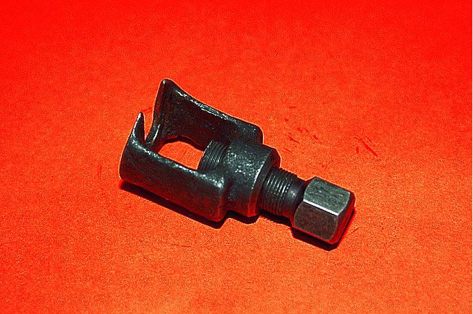 Как сделать съемник рулевых наконечников своими руками 127