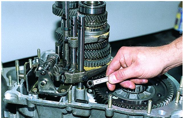 Ваз 21099 ремонт своими руками кпп фото