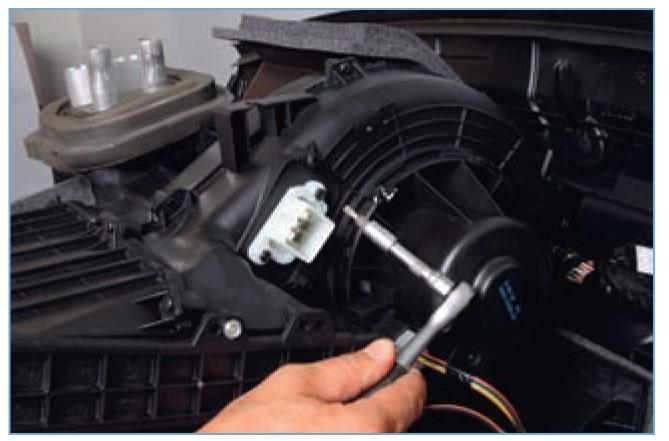 ремонт моторчика печки на форд фокус 2