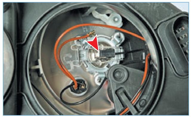 Замена воздушного фильтра аутлендер 3 своими руками видео