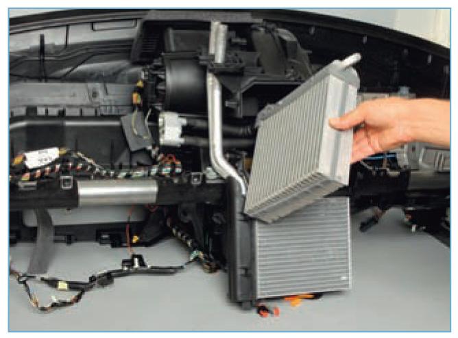 ремонт форд фокус 2 рестайлинг своими руками видео