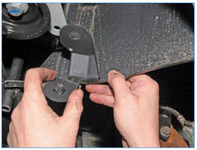 замена переднего подкрылка рено логан