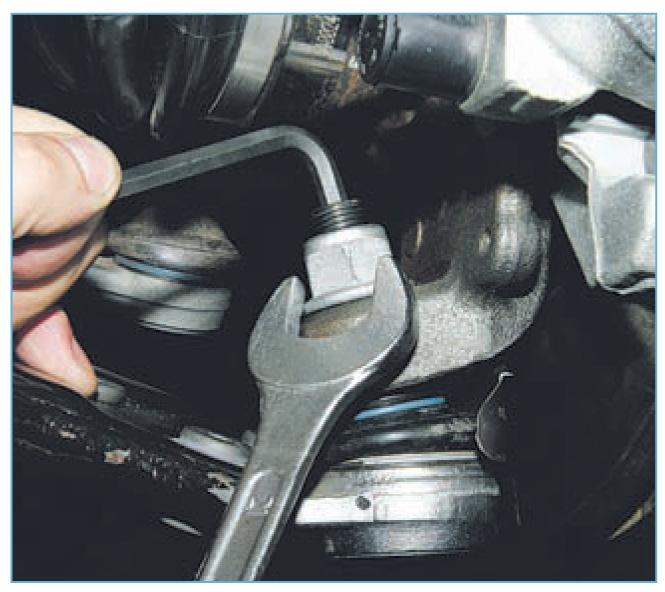 Замена шаровой опоры на форд фокус 2 своими руками