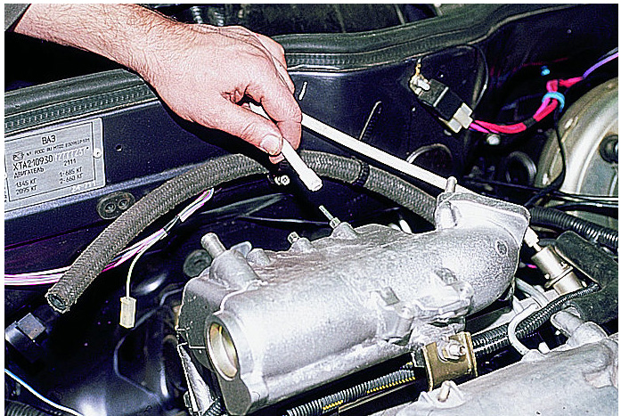 Фото №33 - вакуумный шланг регулятора давления топлива ВАЗ 2110