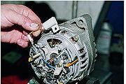 Снятие и разборка генератора 9412.3701 впрыскового двигателя.