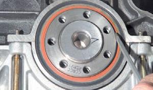 Задний сальник коленвала двигатель Ремонт Logan 2005 71-4.jpg