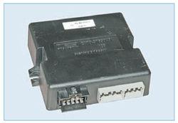 При включении зажигания контроллер ЭСУД обменивается информацией с иммобилайзером (если он активирован)...