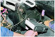 и вынимаем радиатор отопителя.