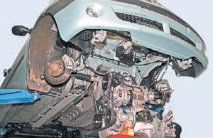 Снятие и установка двигателя Logan 2005 76-3.jpg