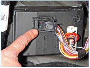 Электрооборудование Logan 2005 189-2.jpg