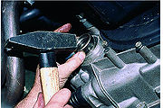 Замена сальников коробки передач (двигатель ВАЗ-21083, ВАЗ-2111) .
