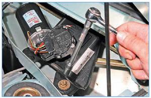 Электрооборудование Logan 2005 186-7.jpg