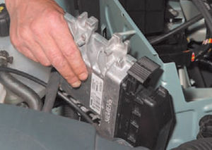 ЭБУ двигатель Logan 2005 82-4.jpg