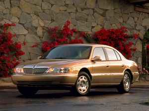 LincolnContinental9.jpg