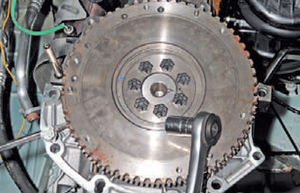 Задний сальник коленвала двигатель Ремонт Logan 2005 71-2.jpg
