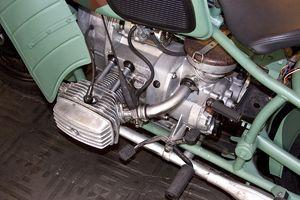 Двигатель мотоцикла Днепр.